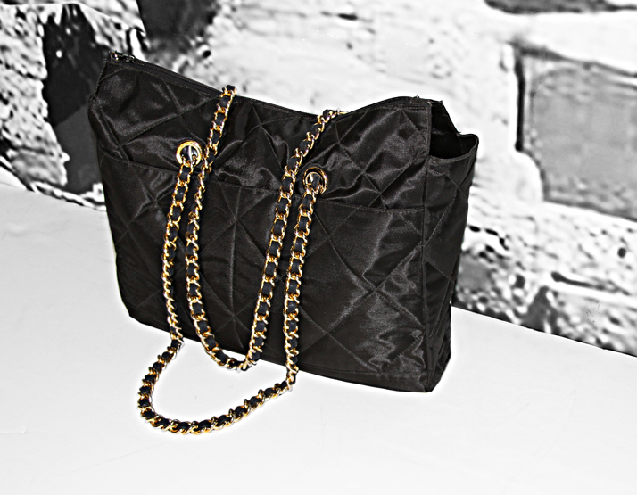 Black_QuiltedHandbag
